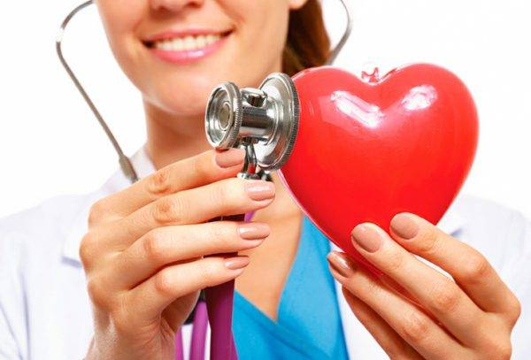Одним из признаков тахикардии является учащенное сердцебиение