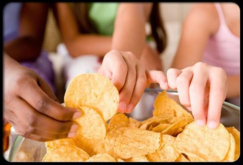 high-blood-pressure-s16-photo-of-kids-eating-chips