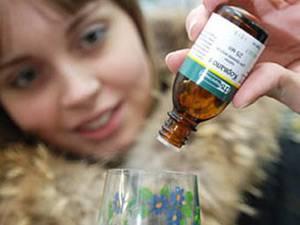 При вегето-сосудистых расстройствах назначают седативные средства