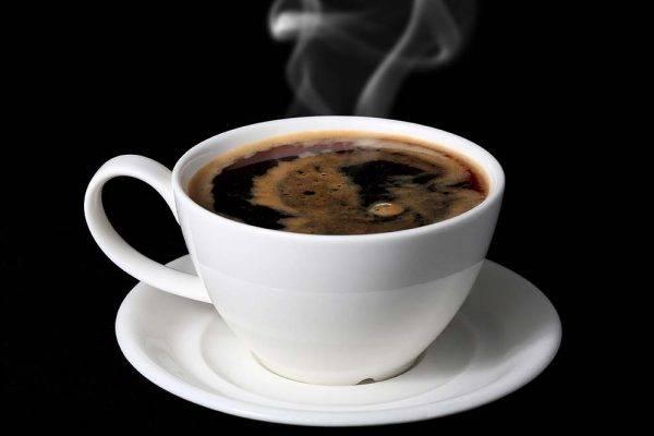 При повышенном сердцебиении следует отказаться от крепкого чая и кофе