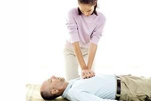 инфаркт симптомы первые признаки у женщин
