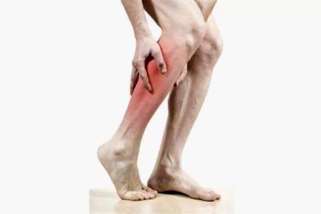 Резкая боль в ногах является признаком тромбоза