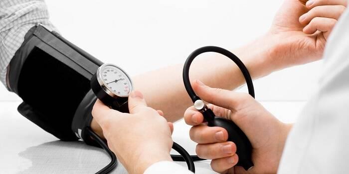 Сердечное давление 100
