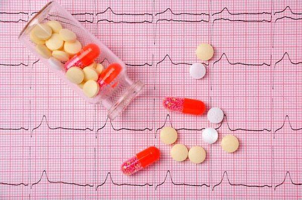Сердце работает с перебоями замирает чем лечить — Сердце