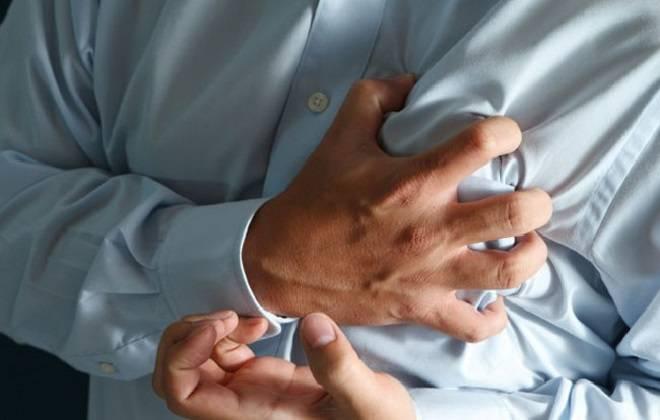 Сердечный приступ у взрослого мужчины